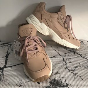 Adidas Falcon W NWT leather ash taupe sneakers